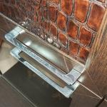 Полка 3-х дверная (1 стеклодверь) Парма-Люкс